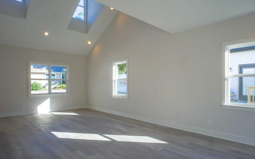 Brand New Home close to NAS Pensacola and Pensacola Beach