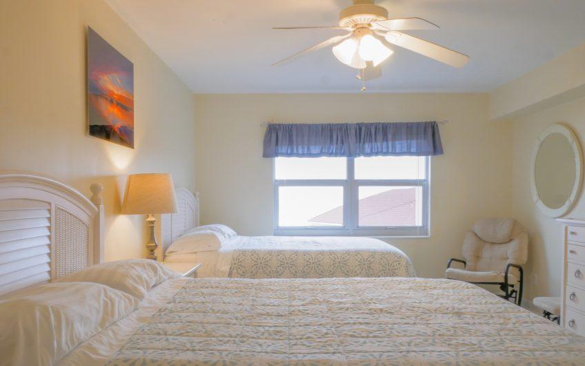 Condo Vacation Rental with direct access to Pensacola Beach