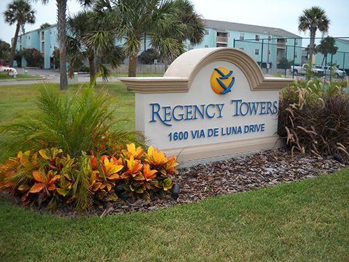 507 W Regency Towers