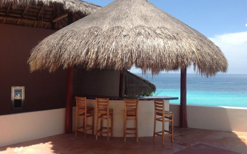 Isla Mujeres' Finest Oceanfront Home